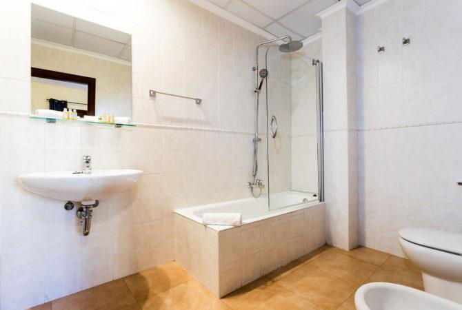 Borne-Suites-Apartamento-Deluxe-Palma-de-Mallorca-Baño-1