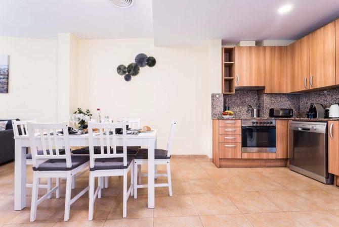 Borne-Suites-Apartamento-Deluxe-Palma-de-Mallorca-Comedor-1