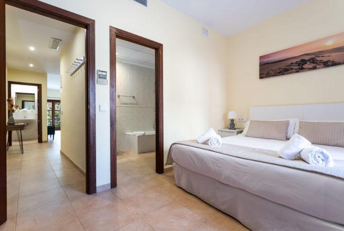 Borne-Suites-Apartamento-Deluxe-Palma-de-Mallorca-Habitación-2-1