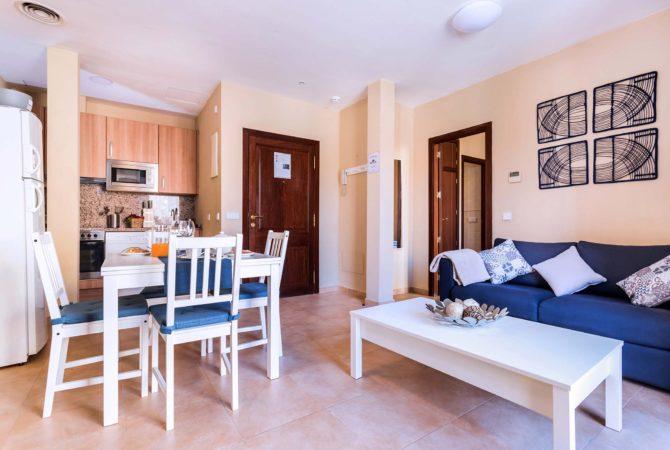 Borne-Suites-Apartamento-Superior-2-Pax-Palma-de-Mallorca-Comedor-1