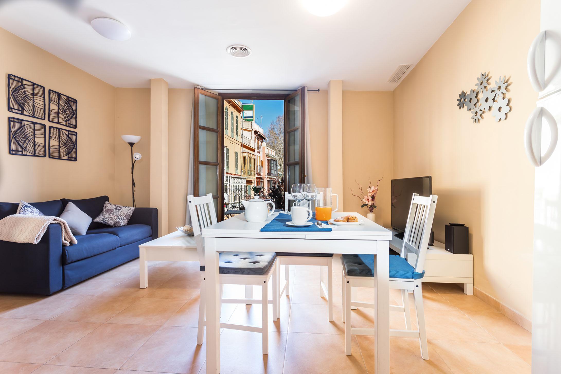 Borne-Suites-Apartamento-Superior-2-Pax-Palma-de-Mallorca-Comedor
