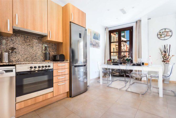 Borne-Suites-Apartamento-Superior-3-Pax-Palma-de-Mallorca-Cocina-Comedor