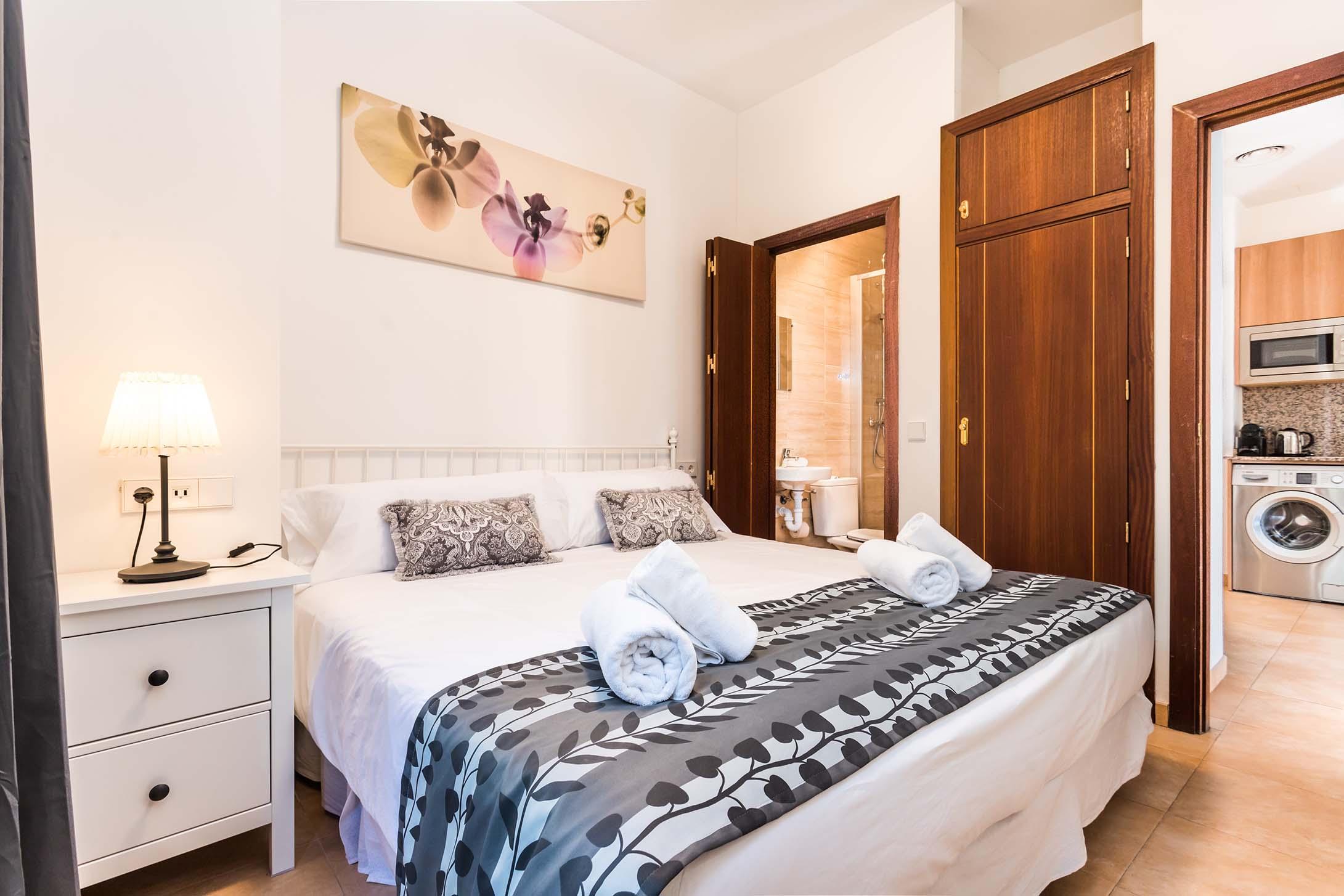 Borne-Suites-Apartamento-Superior-3-Pax-Palma-de-Mallorca-Habitación-1-1