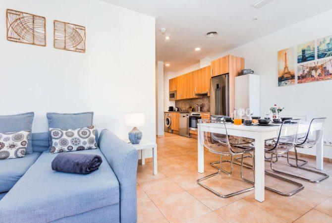 Borne-Suites-Apartamento-Superior-3-Pax-Palma-de-Mallorca-Sala-de-Estar-Comedor