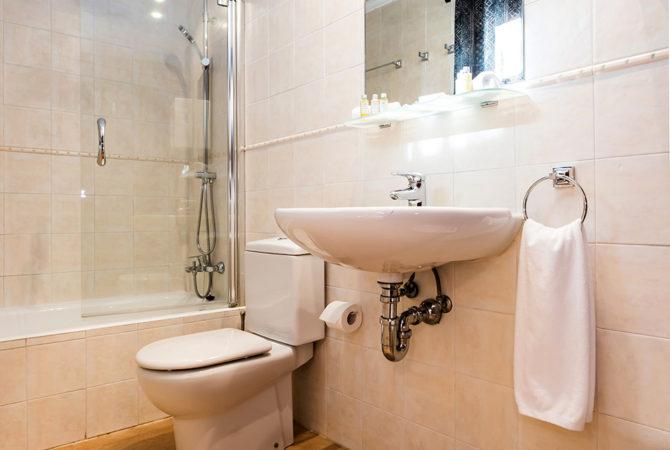 Borne-Suites-Apartamento-con-Terraza-Palma-de-Mallorca-Bano-1-2