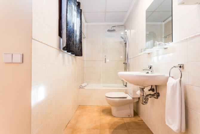 Borne-Suites-Apartamento-con-Terraza-Palma-de-Mallorca-Baño-1