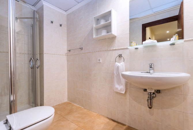 Borne-Suites-Apartamento-con-Terraza-Palma-de-Mallorca-Baño