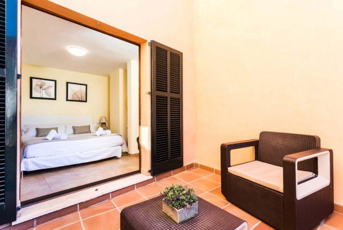 Borne-Suites-Apartamento-con-Terraza-Palma-de-Mallorca-Dormitorio-Terraza