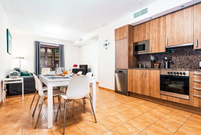 Mallorca-Suites-Apartamento-Deluxe-Palma-de-Mallorca-Cocina-Comedor
