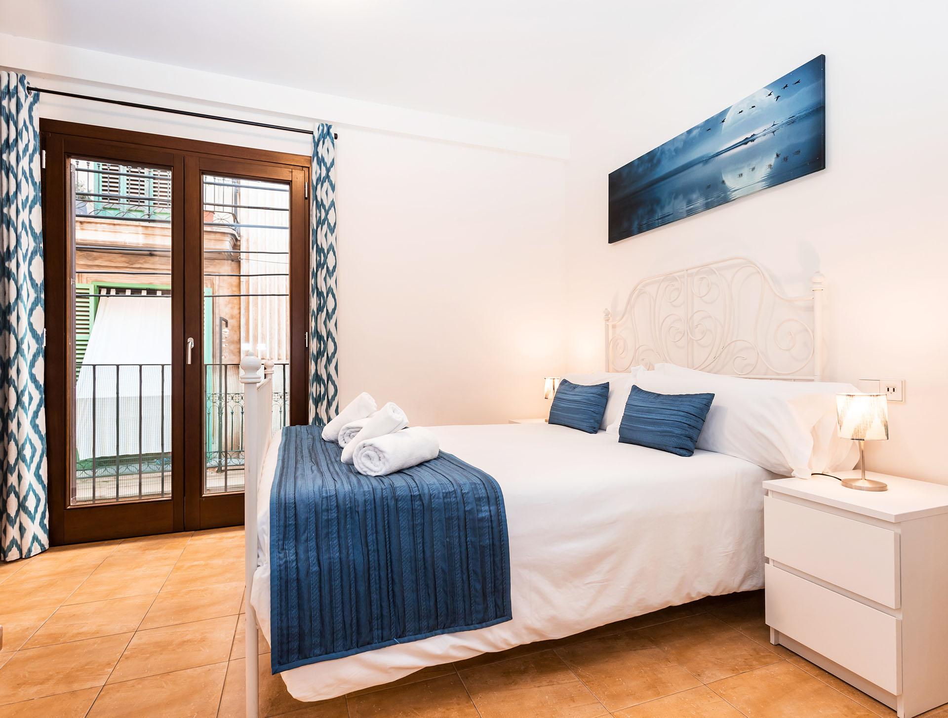 Mallorca-Suites-Apartamento-Deluxe-Palma-de-Mallorca-Habitacion-1