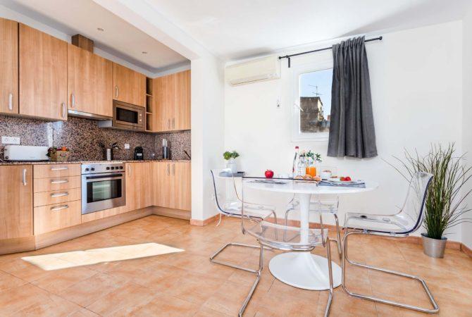 Mallorca-Suites-Apartamento-Superior-Terraza-Alquiler-Palma-de-Mallorca-Cocina-Comedor