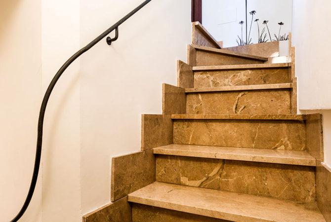 Mallorca-Suites-Apartamento-Superior-Terraza-Alquiler-Palma-de-Mallorca-Escaleras-Terraza