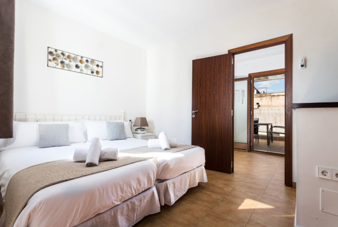 Mallorca-Suites-Apartamento-Superior-Terraza-Alquiler-Palma-de-Mallorca-Habitacion-1