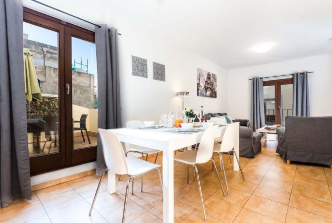 Mallorca-Suites-Apartamento-Terraza-Palma-de-Mallorca-Comedor