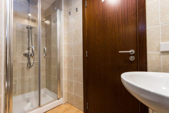Mallorca-Suites-Apartamento-Terraza-Palma-de-Mallorca-Comedor-Baño