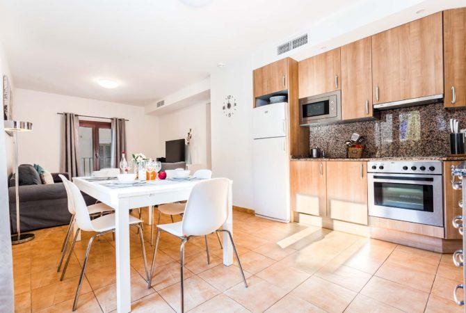 Mallorca-Suites-Apartamento-Terraza-Palma-de-Mallorca-Comedor-Cocina